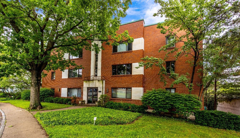 2210 Victory Parkway, Cincinnati, Ohio 45206, 2 Bedrooms Bedrooms, 6 Rooms Rooms,1 BathroomBathrooms,Condominium,For Sale,Victory,1704639