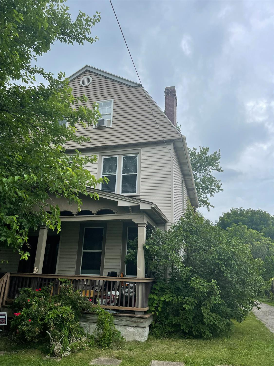 4818 Section Avenue, Norwood, Ohio 45212, 4 Bedrooms Bedrooms, 9 Rooms Rooms,3 BathroomsBathrooms,Single Family Residence,For Sale,Section,1705681
