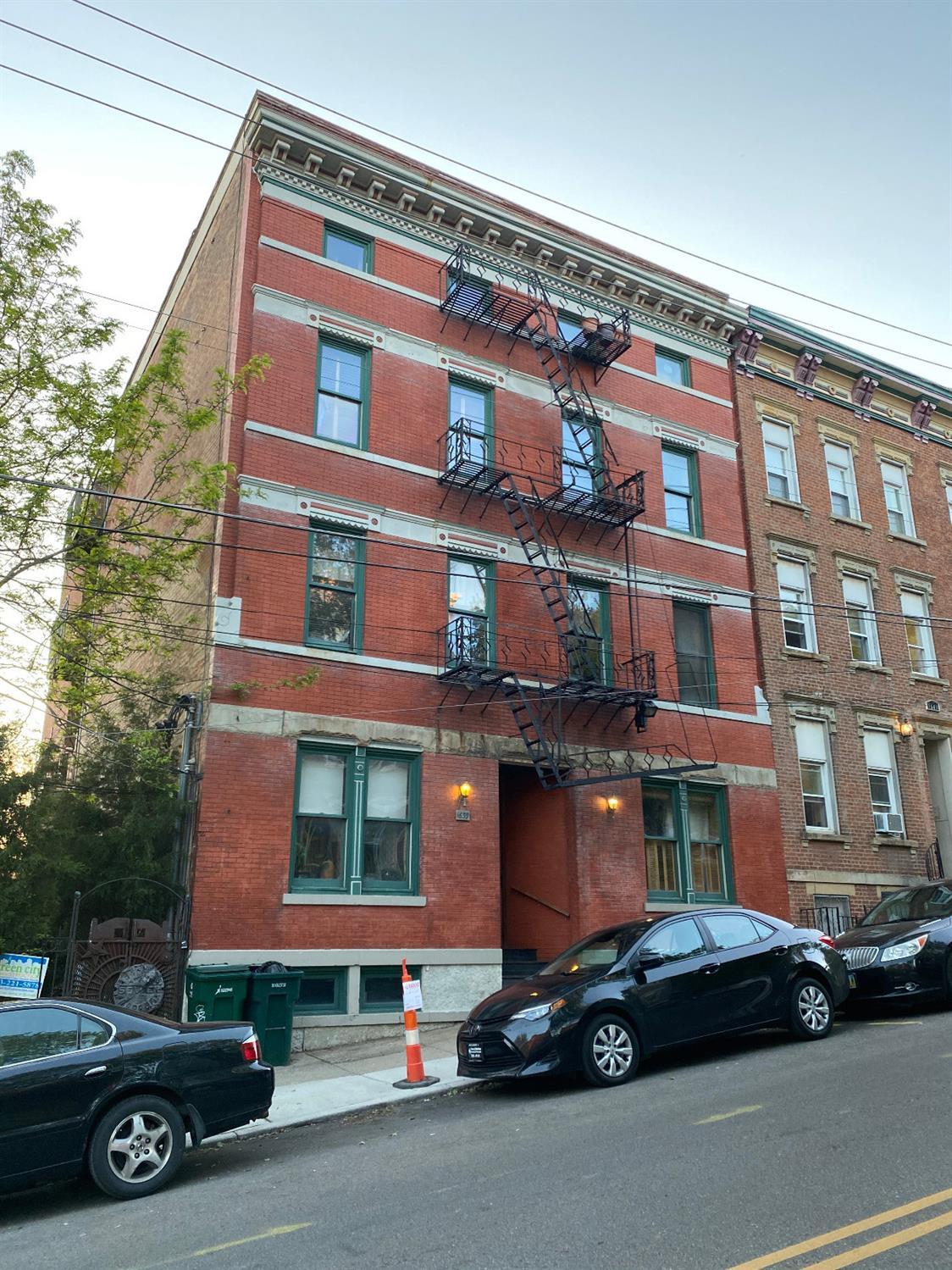 1639 Sycamore Street, Cincinnati, Ohio 45202, 1 Bedroom Bedrooms, 3 Rooms Rooms,1 BathroomBathrooms,Condominium,For Sale,Sycamore,1706027