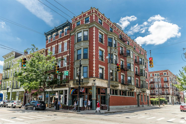 1237 Vine Street, Cincinnati, Ohio 45202, 1 Bedroom Bedrooms, 3 Rooms Rooms,1 BathroomBathrooms,Condominium,For Sale,Vine,1707007