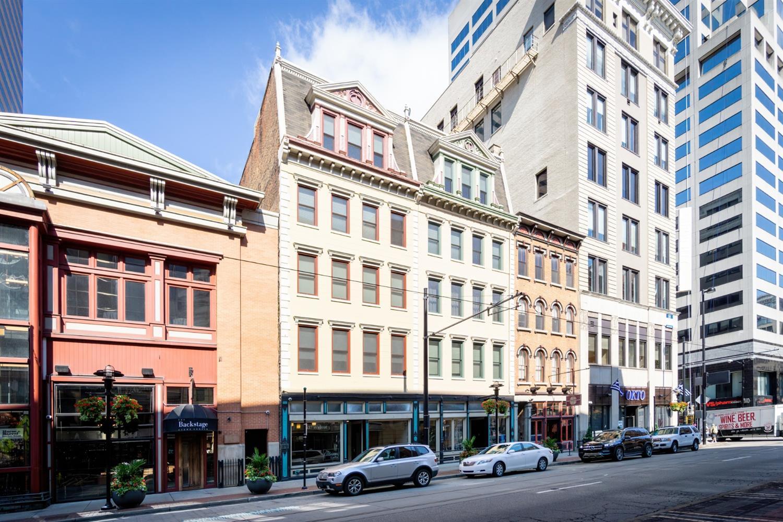 637 Walnut Street, Cincinnati, Ohio 45202, 2 Bedrooms Bedrooms, 7 Rooms Rooms,2 BathroomsBathrooms,Condominium,For Sale,Walnut,1707572