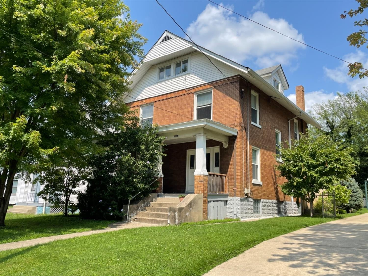 3924 Lindley Avenue, Norwood, Ohio 45212, 6 Bedrooms Bedrooms, 10 Rooms Rooms,2 BathroomsBathrooms,Single Family Residence,For Sale,Lindley,1706150