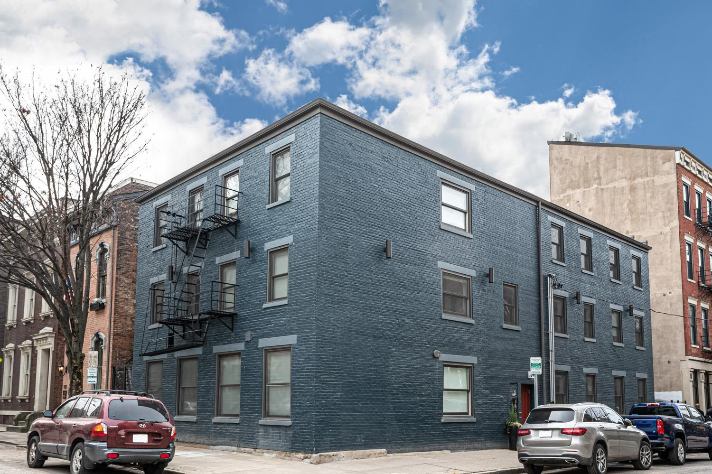 15 Fifteenth Street, Cincinnati, Ohio 45202, 2 Bedrooms Bedrooms, 5 Rooms Rooms,1 BathroomBathrooms,Condominium,For Sale,Fifteenth,1707984