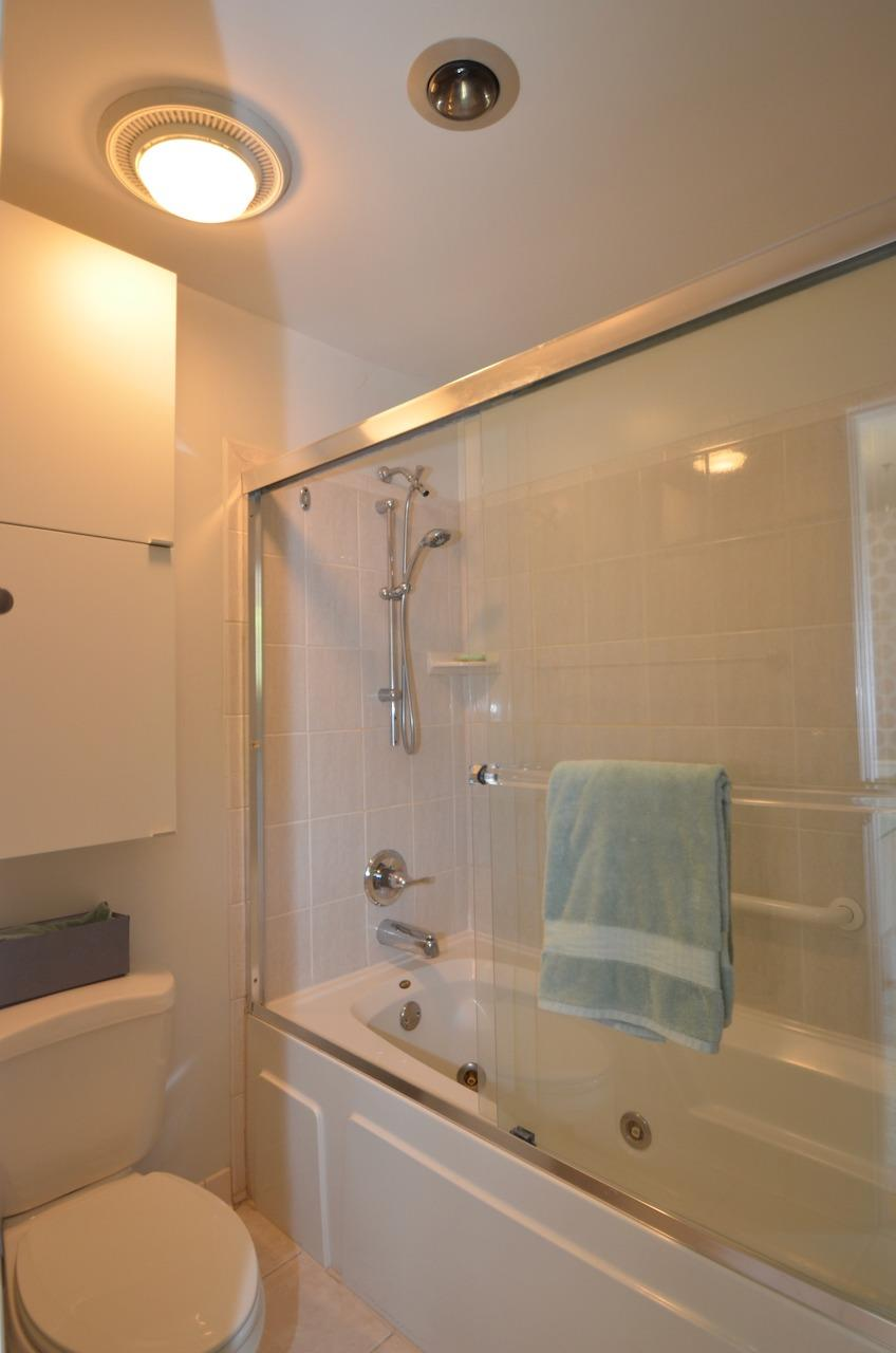 Primary luxury bath!  Oh la la.