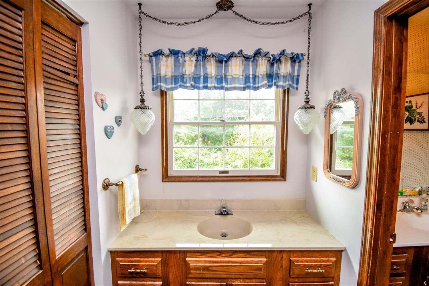 Primary bath 2nd sink, what a view!