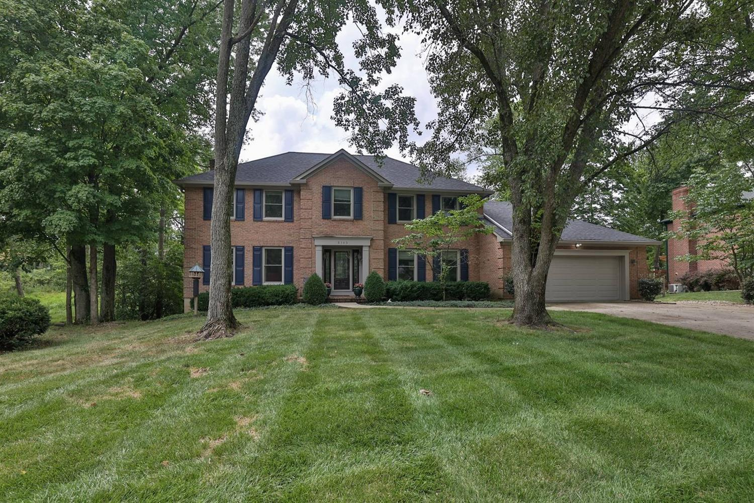 8143 Lyndhurst Court, Sycamore Twp, Ohio 45249, 4 Bedrooms Bedrooms, 10 Rooms Rooms,3 BathroomsBathrooms,Single Family Residence,For Sale,Lyndhurst,1712494