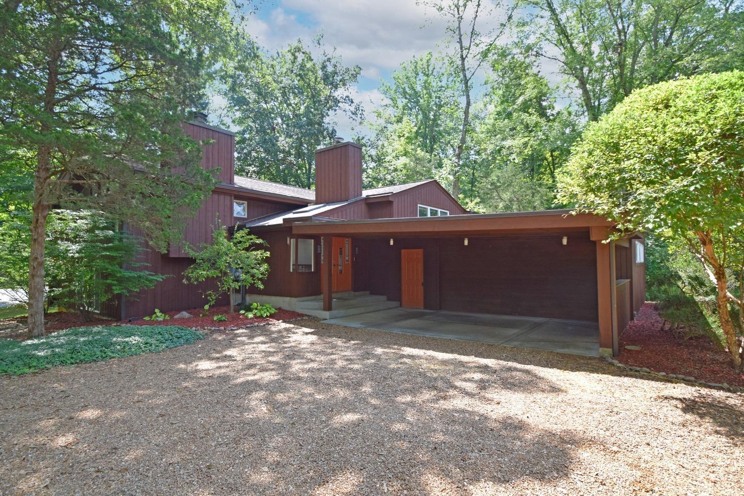 173 Dogwood Drive, Loveland, Ohio 45140, 5 Bedrooms Bedrooms, 8 Rooms Rooms,3 BathroomsBathrooms,Single Family Residence,For Sale,Dogwood,1713365