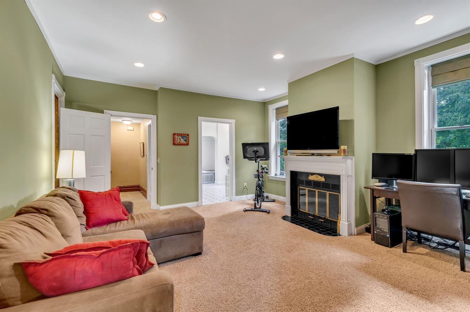 Sitting/Family Room off primary bedroom and bath.