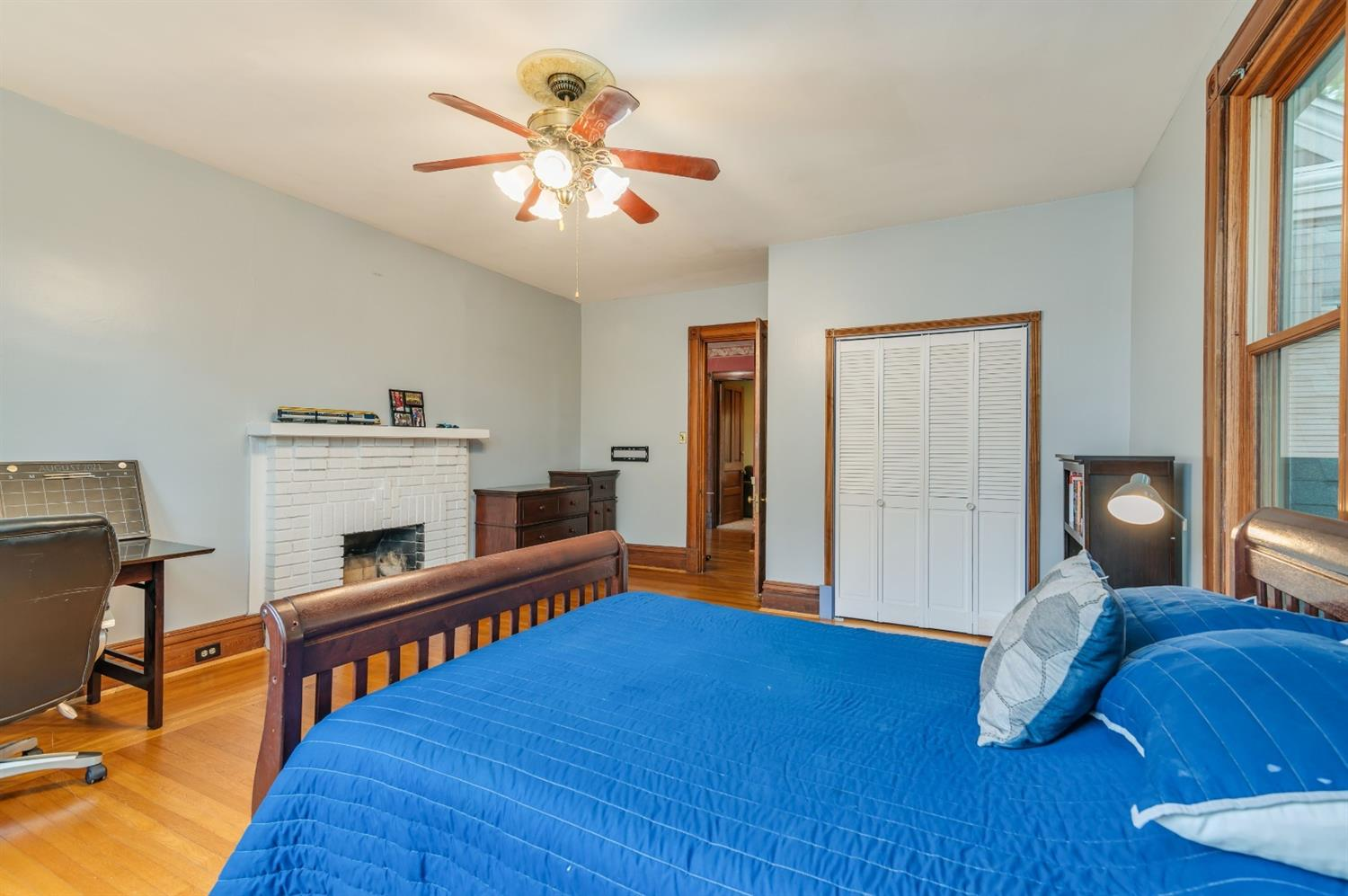 Spacious bedroom 3, fireplace is not functional.