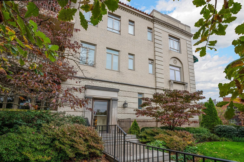 2380 Madison Road, Cincinnati, Ohio 45208, 1 Bedroom Bedrooms, 5 Rooms Rooms,1 BathroomBathrooms,Condominium,For Sale,Madison,1714117