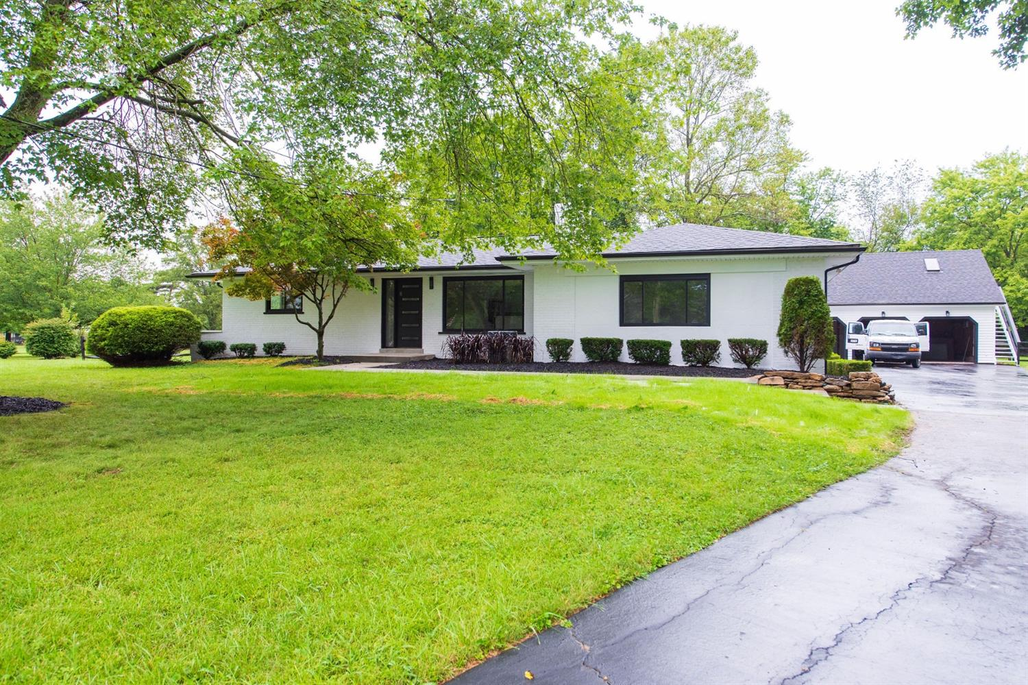 10047 Humphrey Road, Symmes Twp, Ohio 45242, 4 Bedrooms Bedrooms, 9 Rooms Rooms,3 BathroomsBathrooms,Single Family Residence,For Sale,Humphrey,1714077