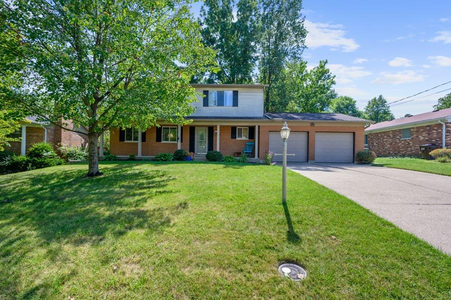 619 Vincennes Court, Springfield Twp., Ohio 45231, 4 Bedrooms Bedrooms, 10 Rooms Rooms,2 BathroomsBathrooms,Single Family Residence,For Sale,Vincennes,1712971