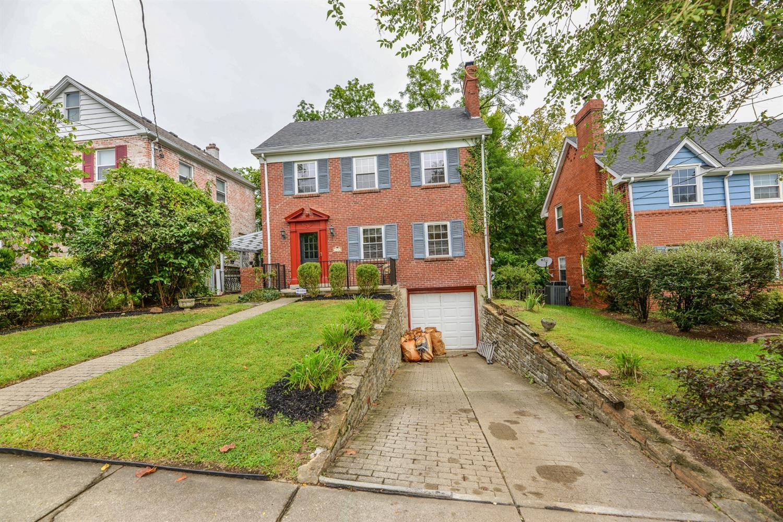 2932 Feltz Avenue, Cincinnati, Ohio 45211, 3 Bedrooms Bedrooms, 6 Rooms Rooms,1 BathroomBathrooms,Single Family Residence,For Sale,Feltz,1715228