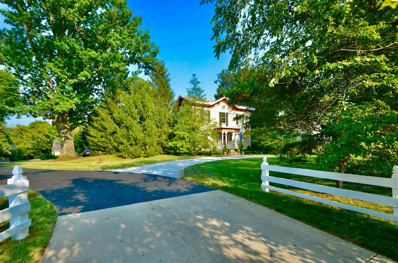 View from Kenwood Road.  Although the address is on Kenwood, the house is accessed via this private drive with 3 homes.  How cool is that?  Between the circle drive in front, the side parking area and the additional private drive parking spaces, there is PLENTY of off street parking.