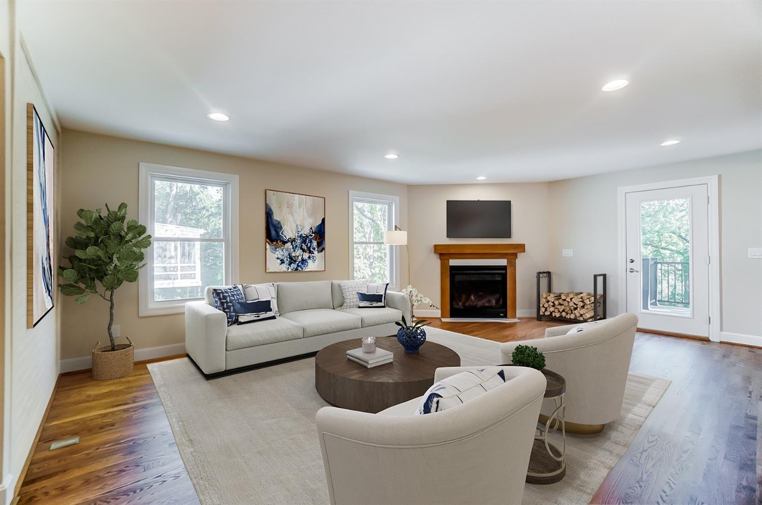 Virtual Staging: Family Room