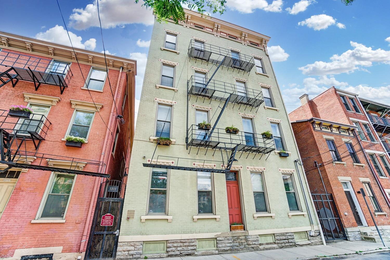 1211 Republic Street, Cincinnati, Ohio 45202, 2 Bedrooms Bedrooms, 5 Rooms Rooms,1 BathroomBathrooms,Condominium,For Sale,Republic,1716066