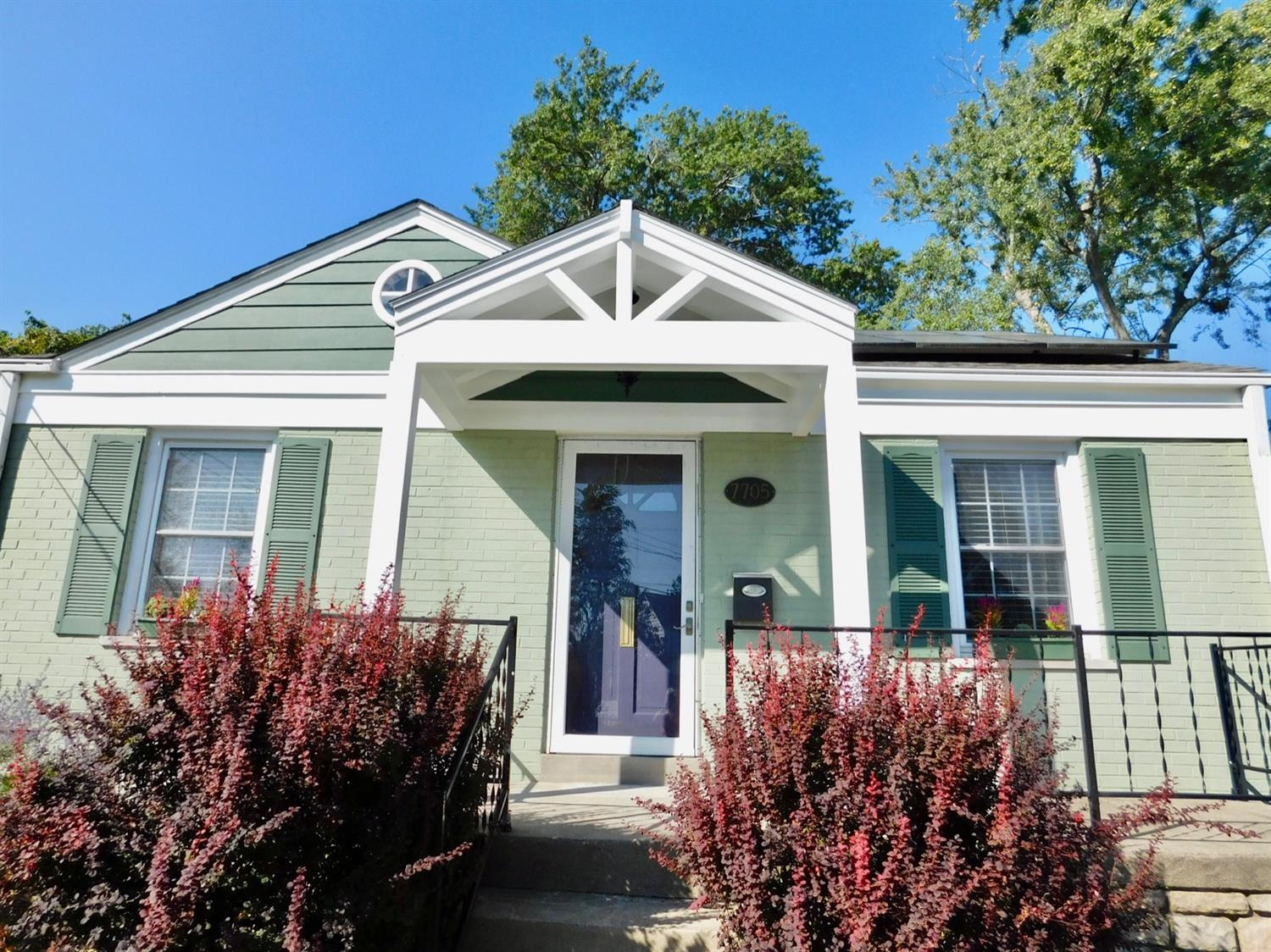 7705 Moss Court, Deer Park, Ohio 45236, 2 Bedrooms Bedrooms, 7 Rooms Rooms,1 BathroomBathrooms,Single Family Residence,For Sale,Moss,1716120