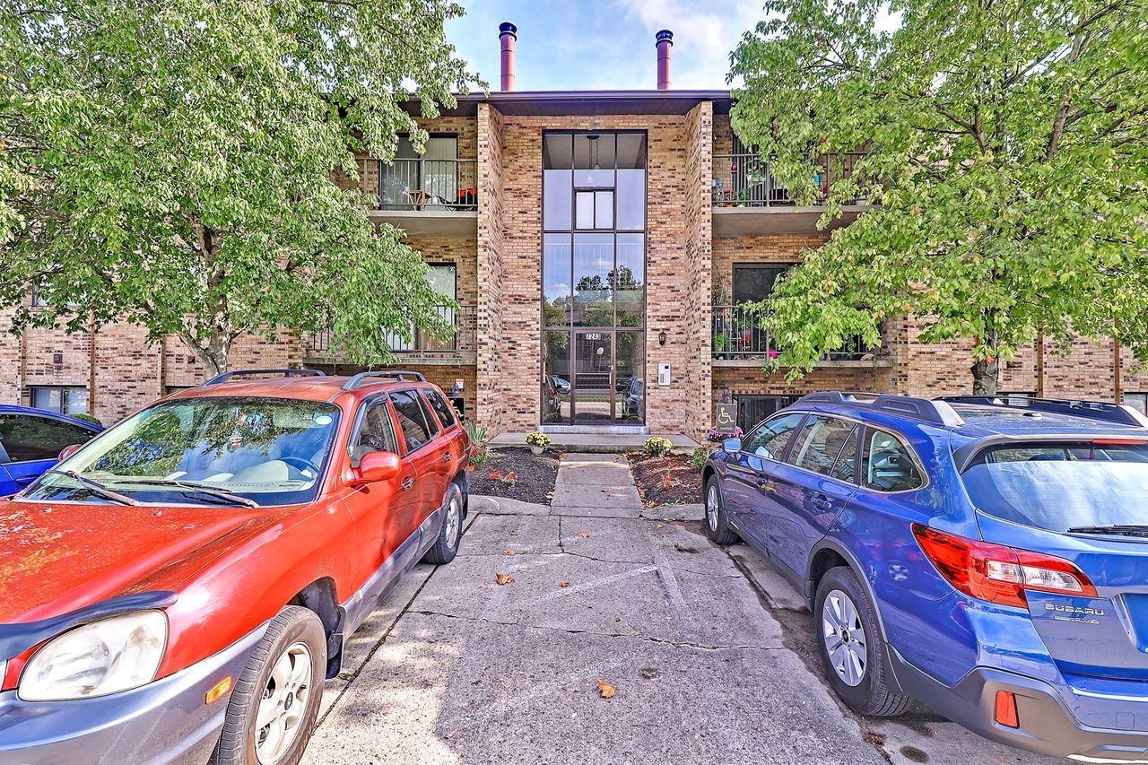 7243 Creekview Drive, Colerain Twp, Ohio 45247, 2 Bedrooms Bedrooms, 5 Rooms Rooms,2 BathroomsBathrooms,Condominium,For Sale,Creekview,1716126
