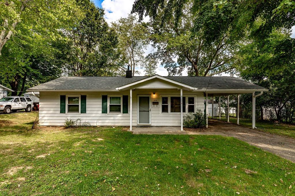 228 Tuscarora Drive, Loveland, Ohio 45140, 3 Bedrooms Bedrooms, 6 Rooms Rooms,1 BathroomBathrooms,Single Family Residence,For Sale,Tuscarora,1716009