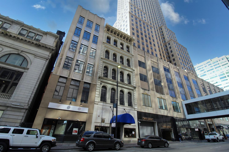 417 Vine Street, Cincinnati, Ohio 45202, 2 Bedrooms Bedrooms, 5 Rooms Rooms,2 BathroomsBathrooms,Condominium,For Sale,Vine,1716525