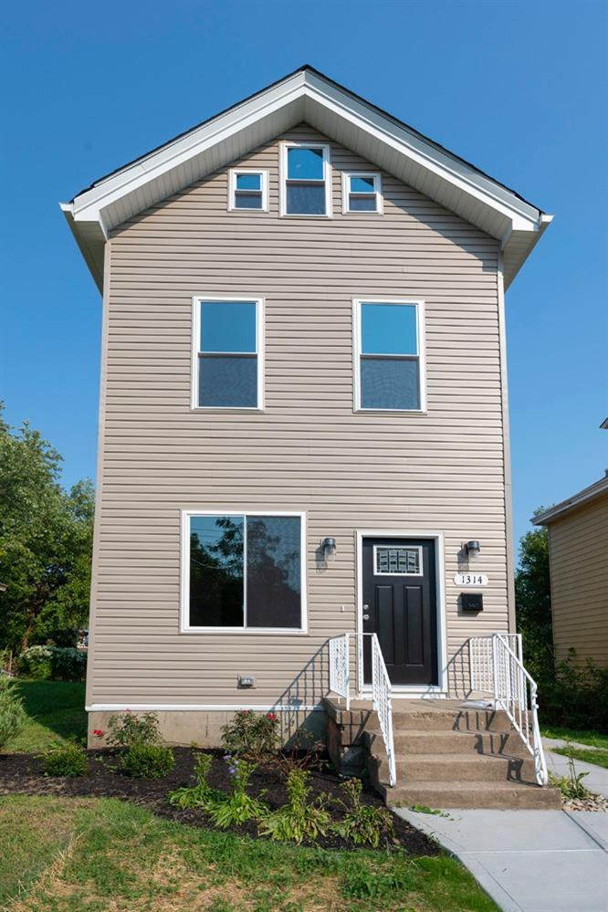 1314 Manss Avenue, Cincinnati, Ohio 45205, 3 Bedrooms Bedrooms, 6 Rooms Rooms,1 BathroomBathrooms,Single Family Residence,For Sale,Manss,1716506