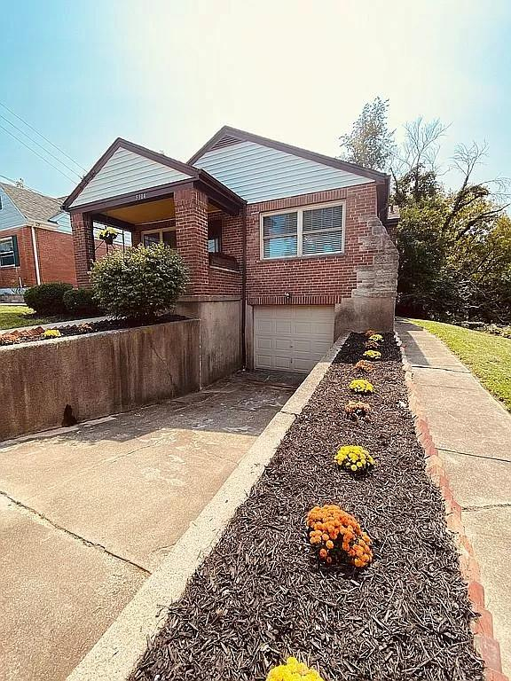 5304 Waltella Place, Norwood, Ohio 45212, 2 Bedrooms Bedrooms, 5 Rooms Rooms,1 BathroomBathrooms,Single Family Residence,For Sale,Waltella,1717162
