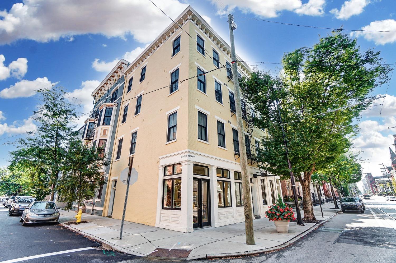 1432 Elm Street, Cincinnati, Ohio 45202, 2 Bedrooms Bedrooms, 4 Rooms Rooms,1 BathroomBathrooms,Condominium,For Sale,Elm,1717408