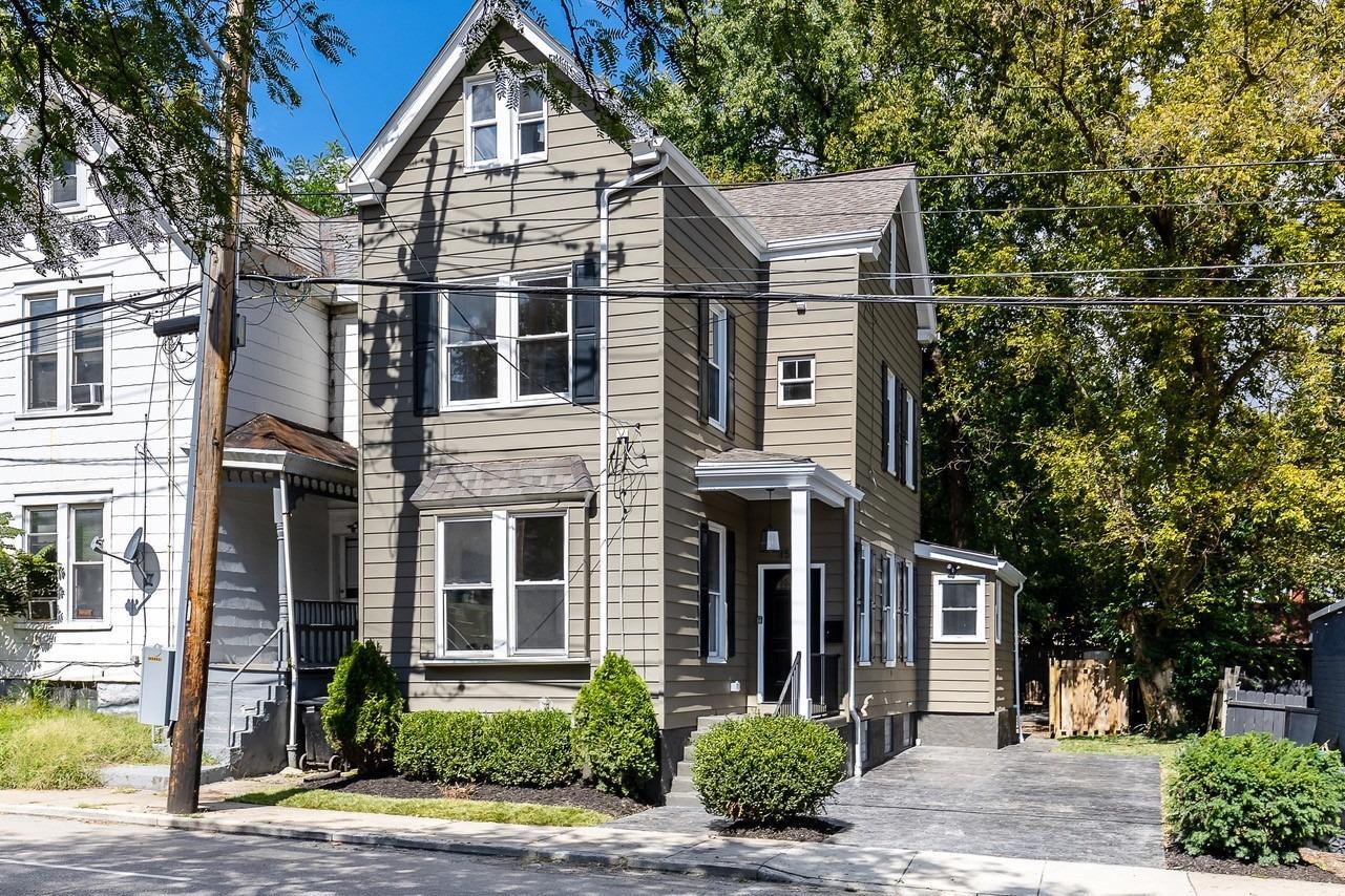 1534 Wm H Taft Road, Cincinnati, Ohio 45206, 3 Bedrooms Bedrooms, 11 Rooms Rooms,2 BathroomsBathrooms,Single Family Residence,For Sale,Wm H Taft,1717534