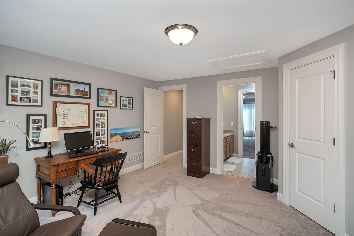 Large bedroom or second office… you decide!