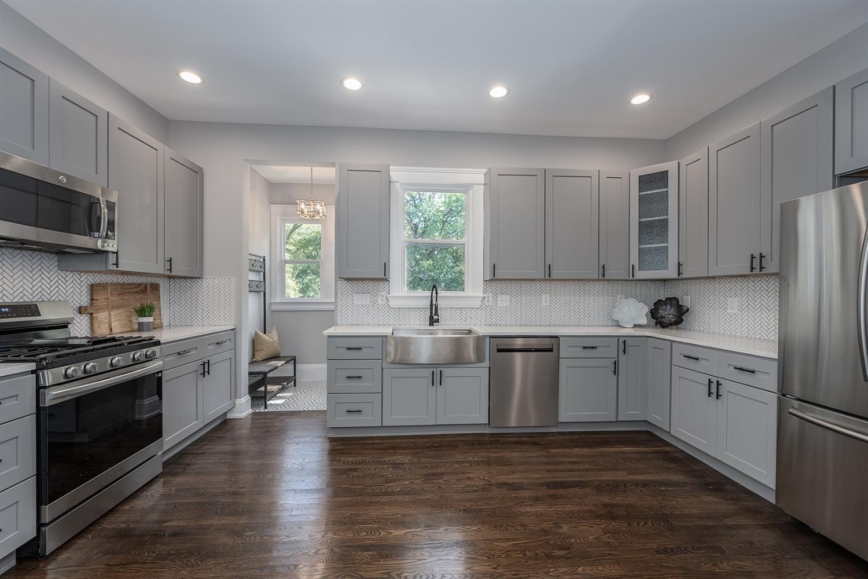 Quartz countertops with Soft Close Cabinets