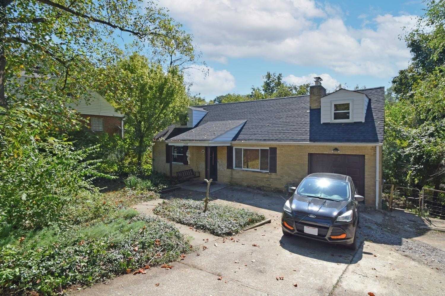 2329 Galbraith Road, Reading, Ohio 45237, 4 Bedrooms Bedrooms, 7 Rooms Rooms,2 BathroomsBathrooms,Single Family Residence,For Sale,Galbraith,1717759
