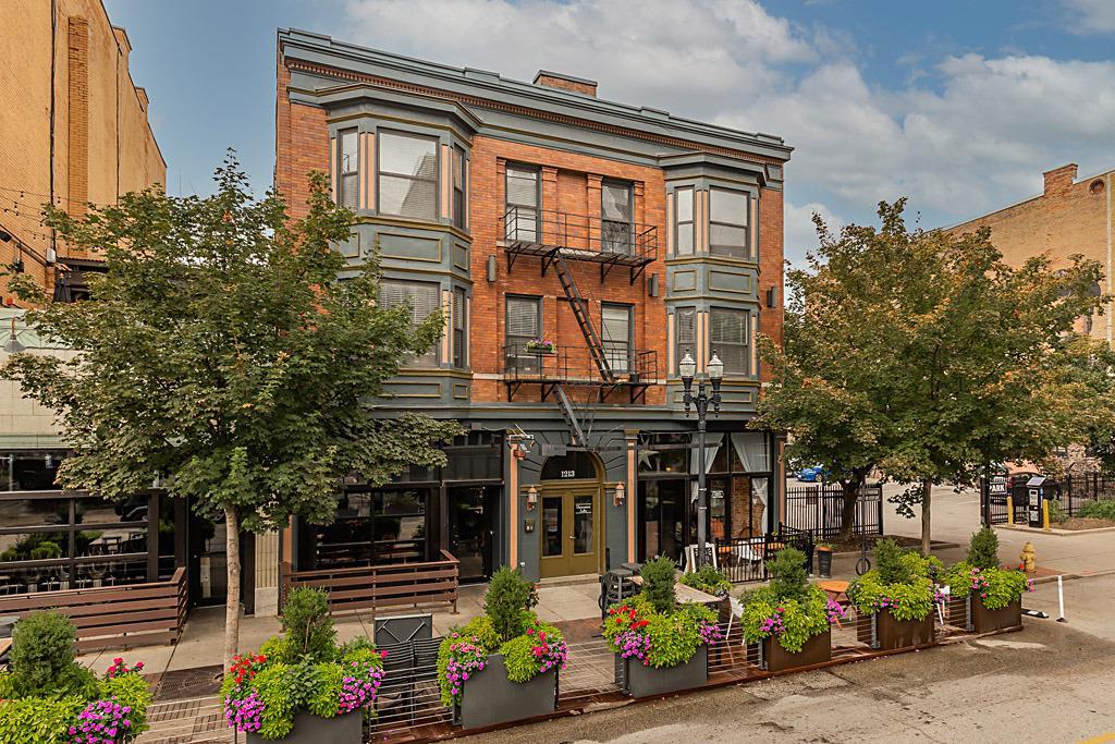 1213 Vine Street, Cincinnati, Ohio 45202, 1 Bedroom Bedrooms, 3 Rooms Rooms,1 BathroomBathrooms,Condominium,For Sale,Vine,1717725