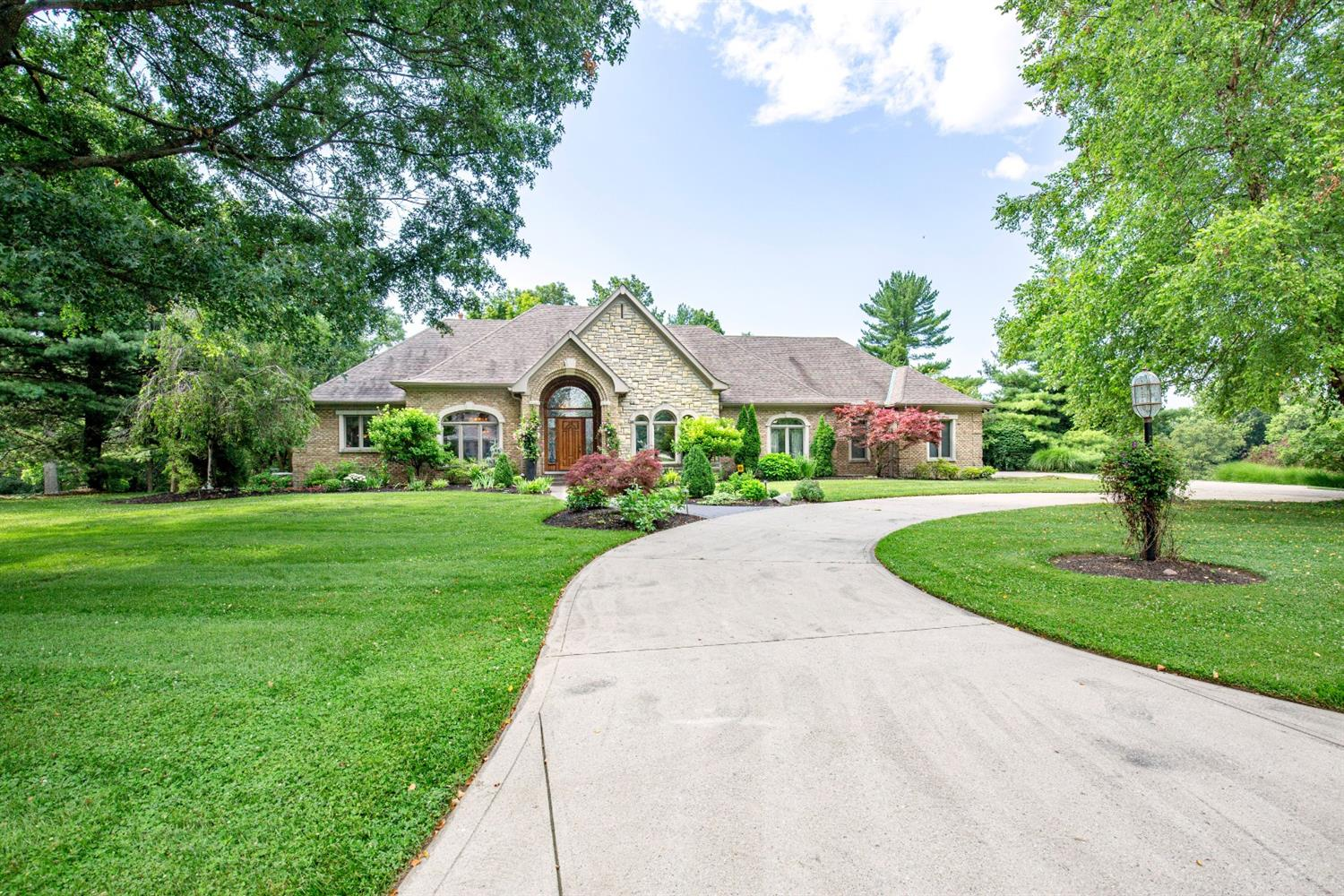 5585 Boomer Road, Green Twp, Ohio 45247, 4 Bedrooms Bedrooms, 15 Rooms Rooms,4 BathroomsBathrooms,Single Family Residence,For Sale,Boomer,1718134