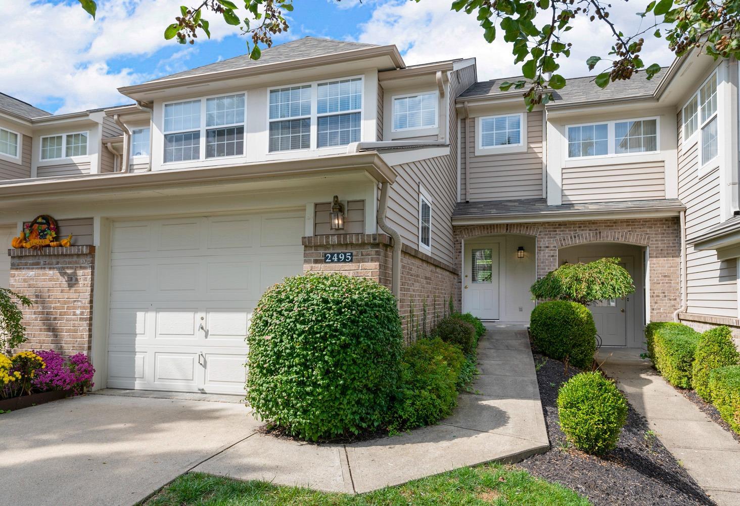 2495 Walnutview Court, Cincinnati, Ohio 45230, 3 Bedrooms Bedrooms, 7 Rooms Rooms,3 BathroomsBathrooms,Condominium,For Sale,Walnutview,1717827