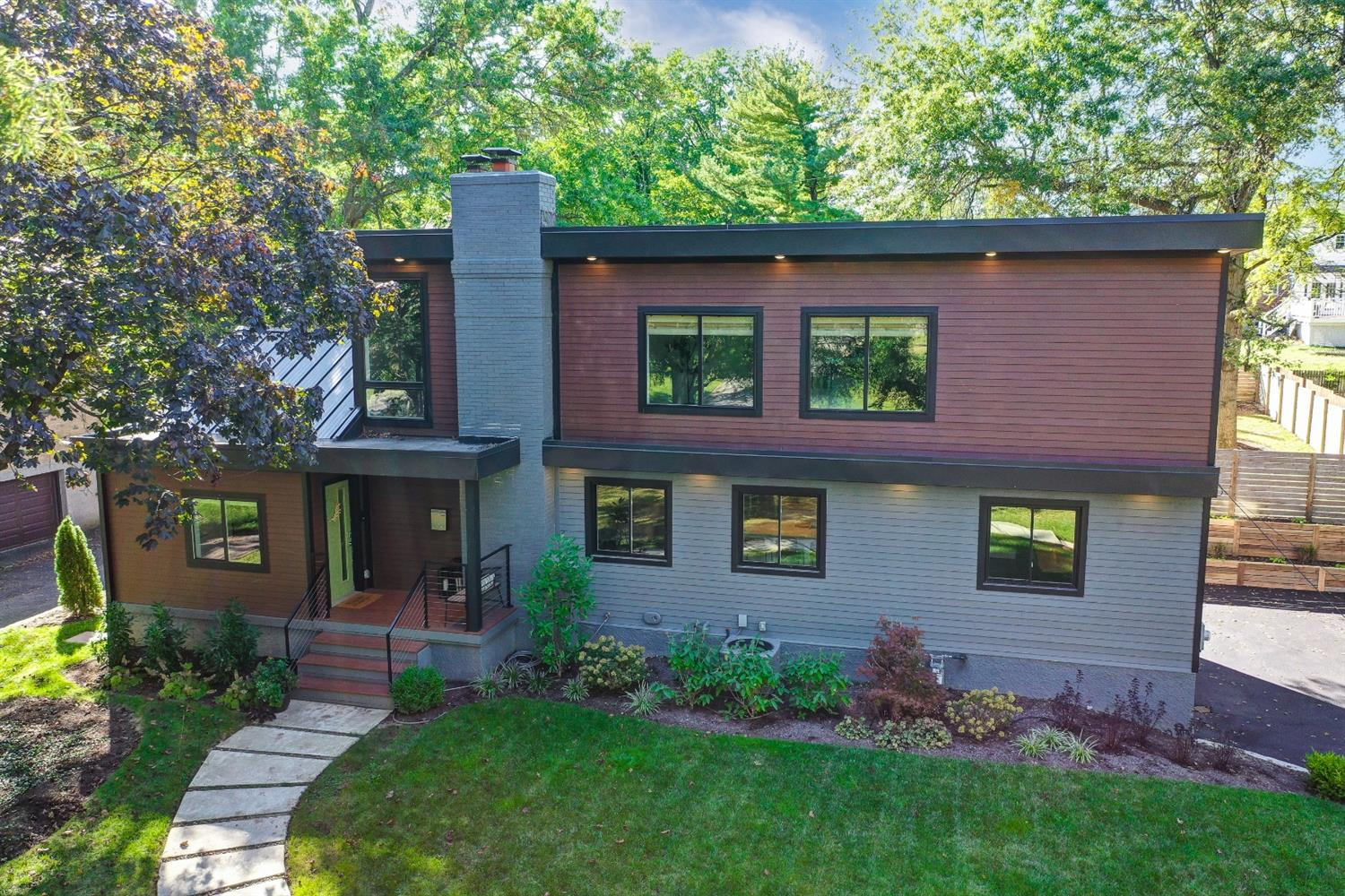 7671 Hosbrook Road, Sycamore Twp, Ohio 45243, 4 Bedrooms Bedrooms, 10 Rooms Rooms,3 BathroomsBathrooms,Single Family Residence,For Sale,Hosbrook,1718466
