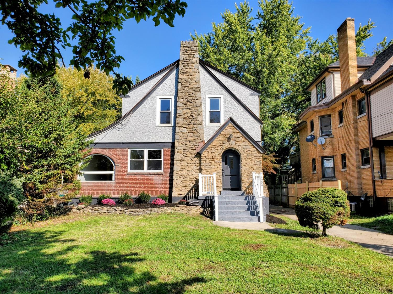 4954 Cleves Warsaw Pike, Cincinnati, Ohio 45238, 4 Bedrooms Bedrooms, 9 Rooms Rooms,2 BathroomsBathrooms,Single Family Residence,For Sale,Cleves Warsaw,1718607