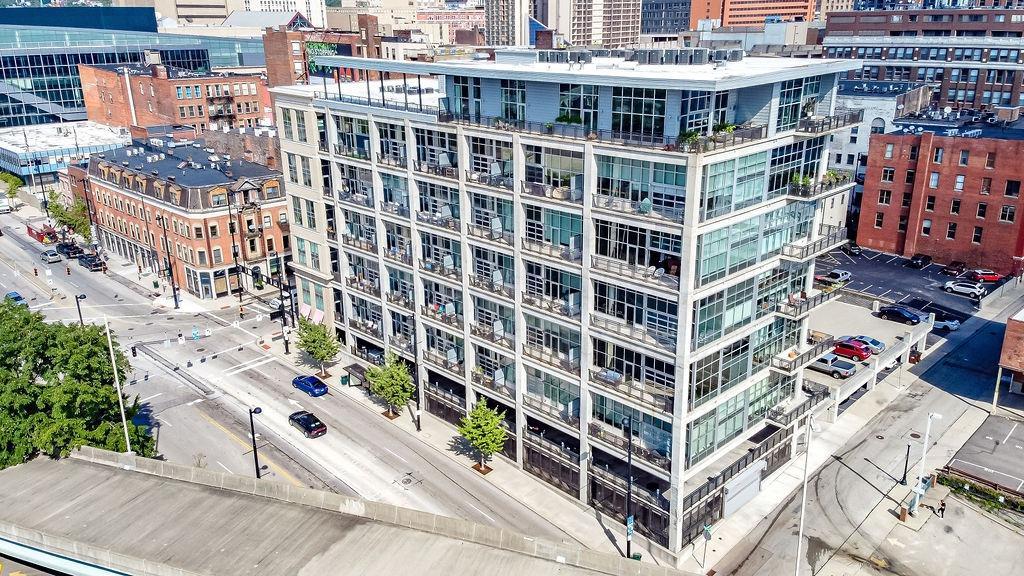 353 Fourth Street, Cincinnati, Ohio 45202, 2 Bedrooms Bedrooms, 5 Rooms Rooms,2 BathroomsBathrooms,Condominium,For Sale,Fourth,1718673