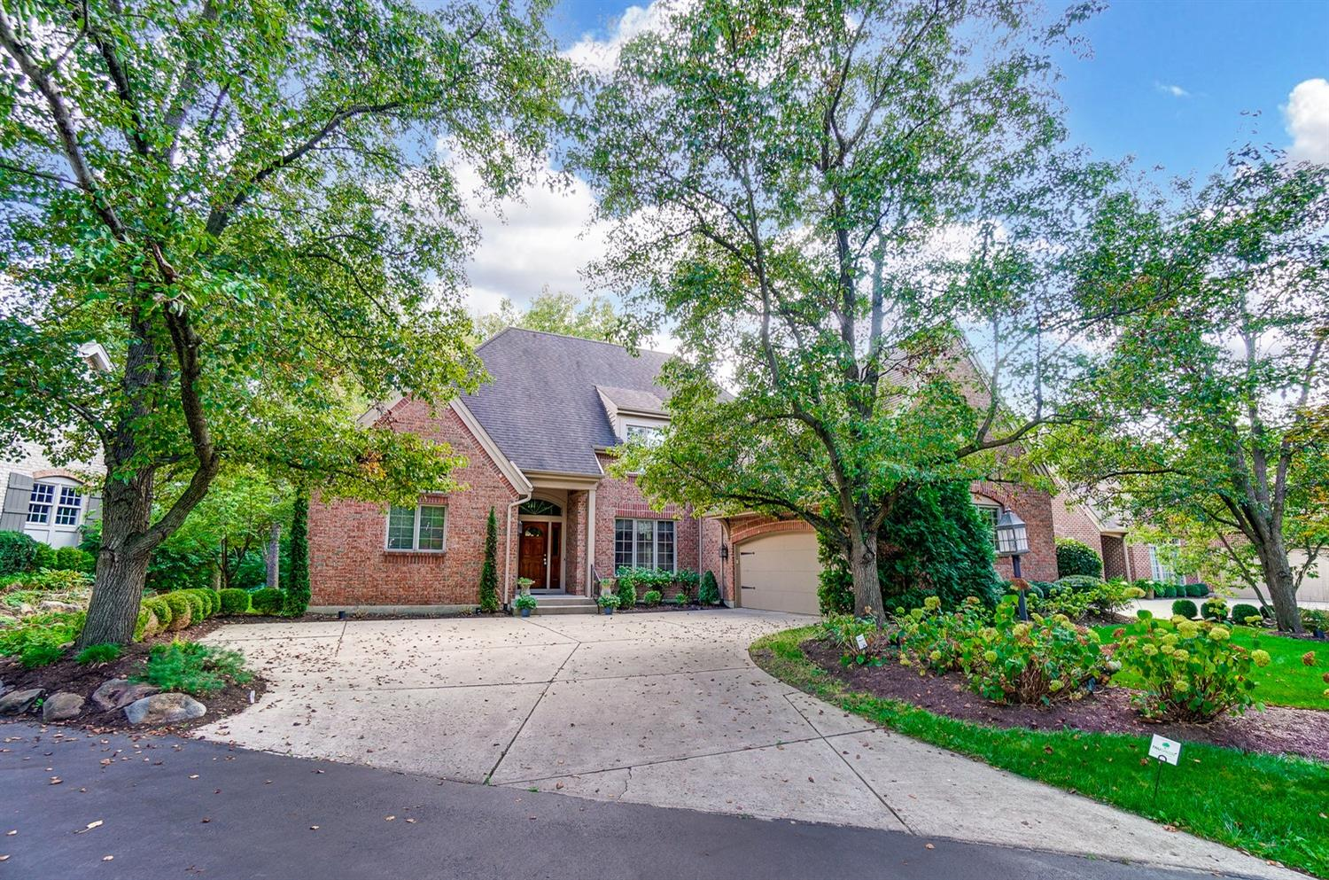 1222 Courtyard Place, Centerville, Ohio 45458, 5 Bedrooms Bedrooms, 17 Rooms Rooms,3 BathroomsBathrooms,Single Family Residence,For Sale,Courtyard,1718736