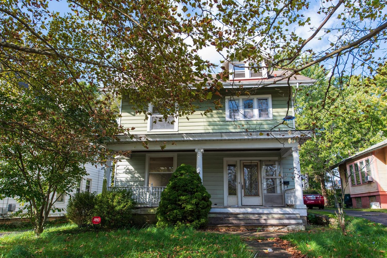 571 Grand Avenue, Cincinnati, Ohio 45205, 3 Bedrooms Bedrooms, 8 Rooms Rooms,2 BathroomsBathrooms,Single Family Residence,For Sale,Grand,1718531