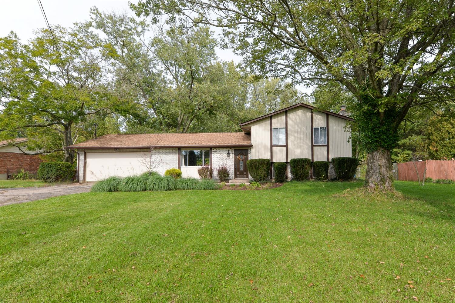 6594 Branch Hill Guinea Road, Miami Twp, Ohio 45140, 3 Bedrooms Bedrooms, 7 Rooms Rooms,2 BathroomsBathrooms,Single Family Residence,For Sale,Branch Hill Guinea,1719040