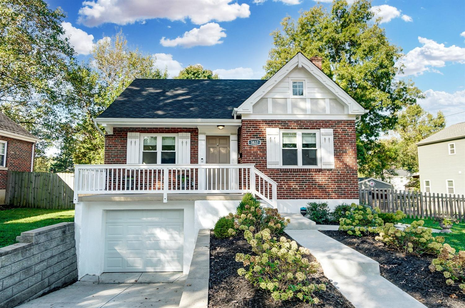 3837 Belmont Avenue, Fairfax, Ohio 45227, 3 Bedrooms Bedrooms, 7 Rooms Rooms,2 BathroomsBathrooms,Single Family Residence,For Sale,Belmont,1719085