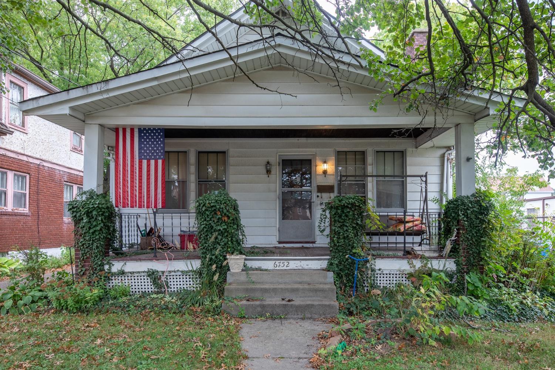 6752 Murray Avenue, Columbia Twp, Ohio 45227, 3 Bedrooms Bedrooms, 8 Rooms Rooms,1 BathroomBathrooms,Single Family Residence,For Sale,Murray,1719337
