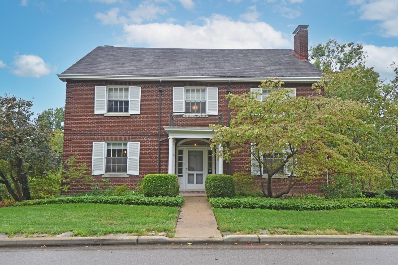 425 Rawson Woods Lane, Cincinnati, Ohio 45220, 6 Bedrooms Bedrooms, 11 Rooms Rooms,4 BathroomsBathrooms,Single Family Residence,For Sale,Rawson Woods,1719418