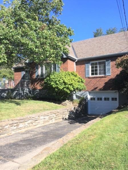 3142 Glenmore Avenue, Cincinnati, Ohio 45211, 4 Bedrooms Bedrooms, 8 Rooms Rooms,2 BathroomsBathrooms,Single Family Residence,For Sale,Glenmore,1719396