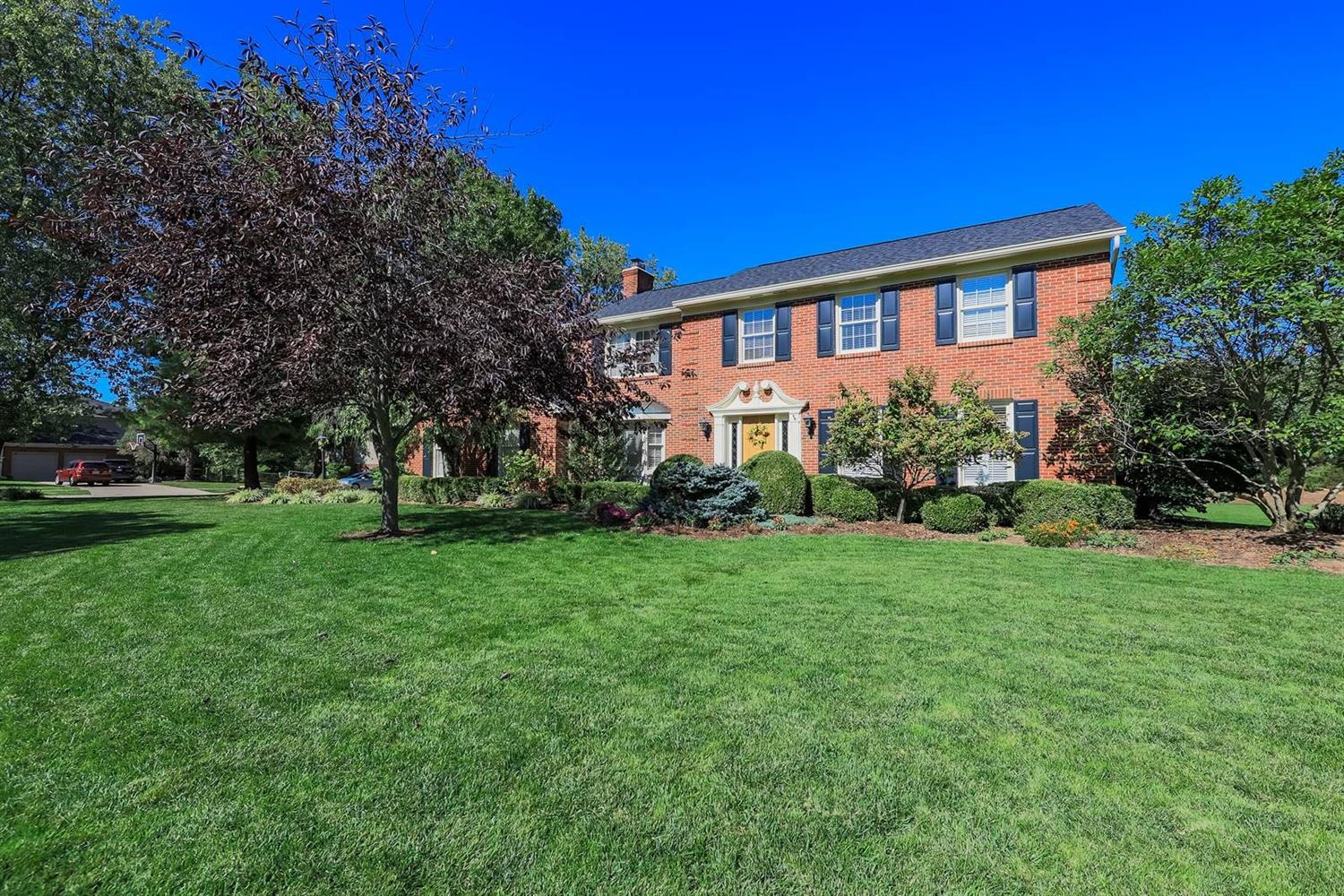 5880 Windsong Court, Madeira, Ohio 45243, 4 Bedrooms Bedrooms, 9 Rooms Rooms,2 BathroomsBathrooms,Single Family Residence,For Sale,Windsong,1719523