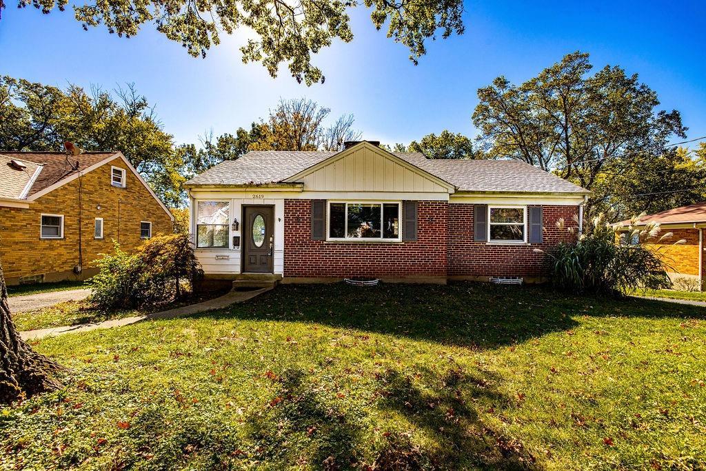 2619 Gracewood Avenue, Cincinnati, Ohio 45239, 2 Bedrooms Bedrooms, 5 Rooms Rooms,1 BathroomBathrooms,Single Family Residence,For Sale,Gracewood,1719428