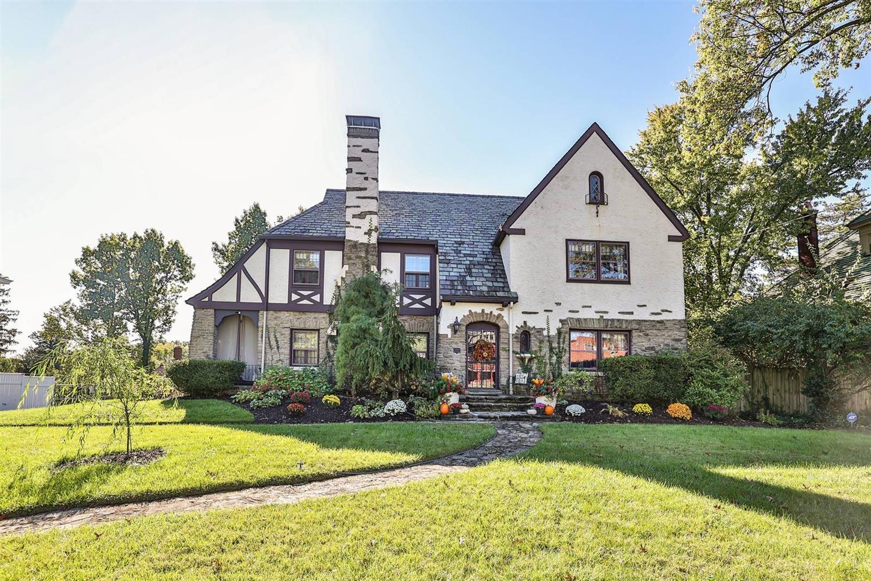 2663 Harrison Avenue, Cincinnati, Ohio 45211, 3 Bedrooms Bedrooms, 8 Rooms Rooms,2 BathroomsBathrooms,Single Family Residence,For Sale,Harrison,1719721