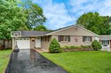Property for sale at 919 Mohican Drive, Loveland,  Ohio 45140
