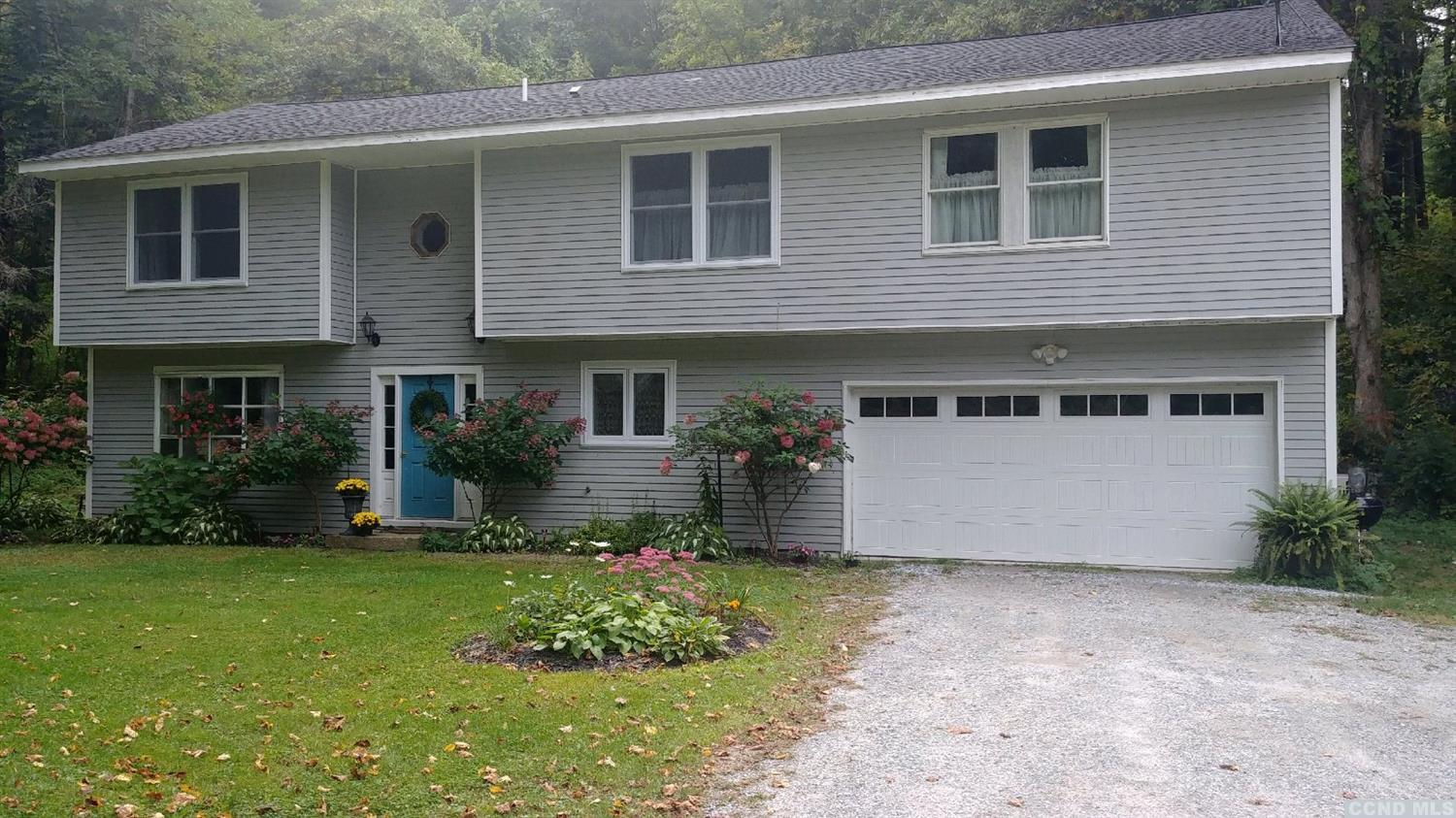 <div>Beautifully maintained Garrison Colonial conveniently situated close to the Berkshires, TSP, ski areas and only 25 minutes to Albany. Lots of natural light in this tastefully remodeled gem.</div><div>Three or four bedrooms, 2 and a half baths. Wonderful upstairs family room/bonus room. Master Bedroom ensuite with walk in closet. Wide plank and oak flooring throughout. Lots of room for entertaining. Propane high efficiency Bosch boiler, radiant heat, AC. Additional piece of land next door available for purchase.</div>