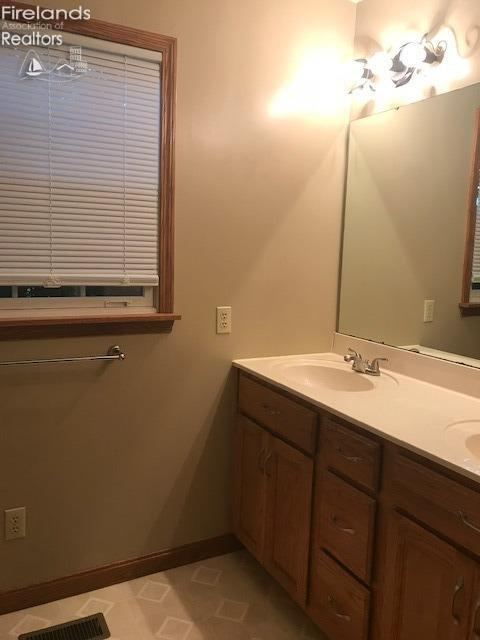 12301 ARLINGTON, MILAN, OH 44814  Photo 7